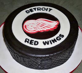 Hockey Themed Wedding Cake - Hockey Puck