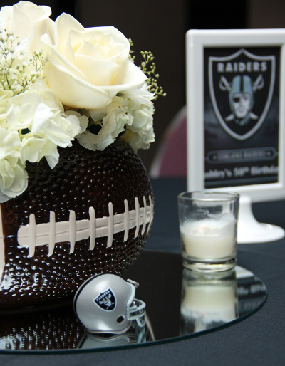 Sports themed weddings football themed wedding centerpiece ideas stwtack oakland raiders wedding table centerpiece junglespirit