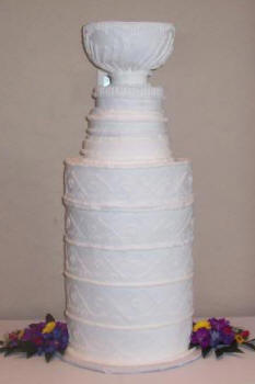 how to make a stanley cup wedding cake sports themed weddings sports themed wedding cakes 15860