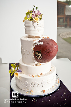 football themed wedding cakes sports themed weddings sports themed wedding cakes 14394